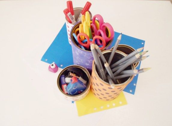 Organizer na biurko dla dzieci z.. puszek! Słodki i bardzo praktyczny! W dodatku prośrodowiskowy! :) #szkoła #diy #dzieci