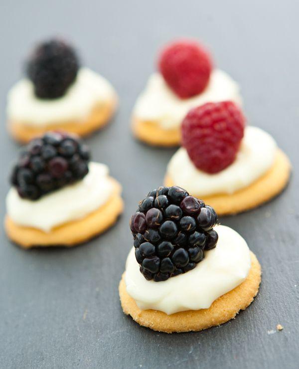 White Chocolate Cream Cheese Berry Bites #recipe