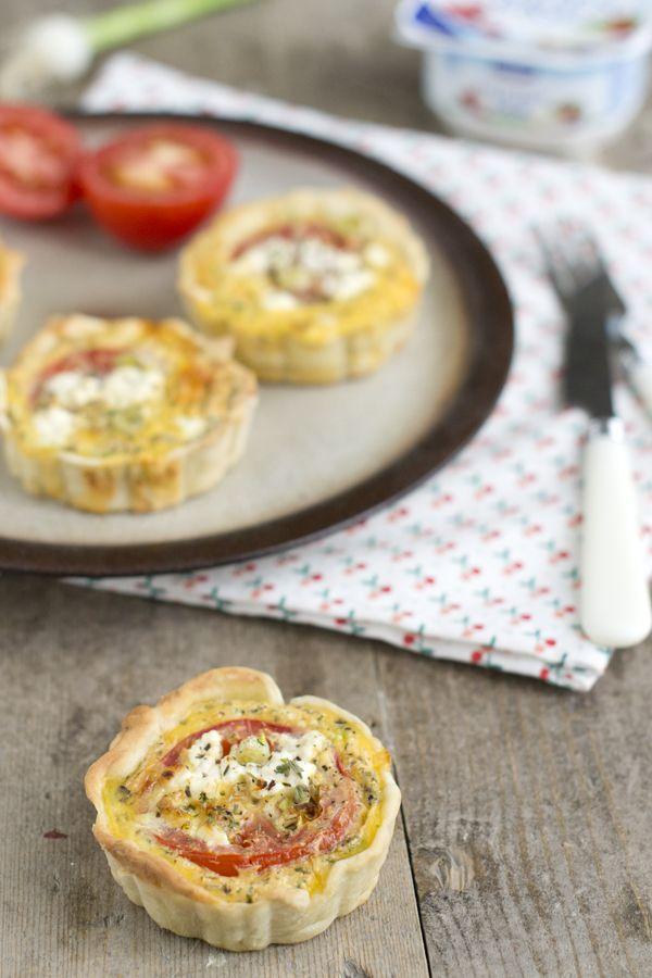 Hartige taart met tomaat en huttenkase  | via BrendaKookt.nl