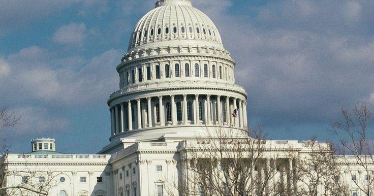 Cómo saber quiénes son los senadores de mi estado (en Estados Unidos). Existen dos tipos de Senadores en Estados Unidos. Los senadores en Estados Unidos son miembros del Senado de Estados Unidos, que es parte del Congreso. Hay dos senadores que representan a cada estado. Trabajan en la Casa de Representantes de Estados Unidos para crear leyes federales. Cada uno de los 50 estados tiene su propia legislatura estatal. ...