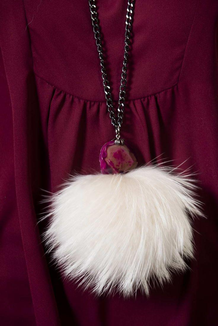 Fur accessories : Cream raccoon fur necklace