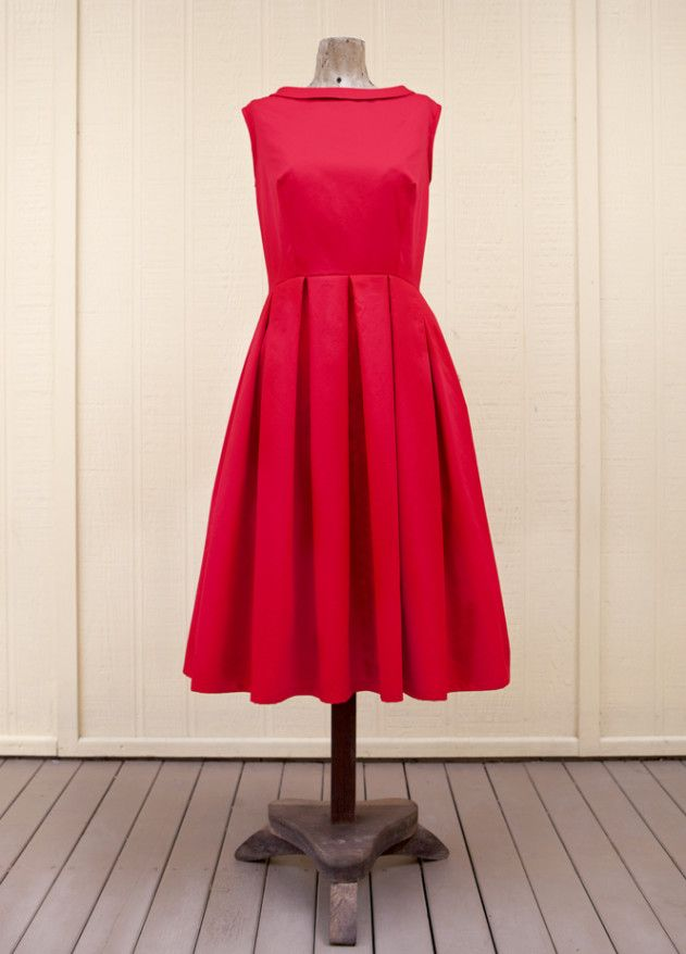 Free pattern for you from Peppermint magazine.1950s-style prom dress courtesy of The Vintage Pattern Selector has you covered with its flattering box pleats and sweet neckline details.