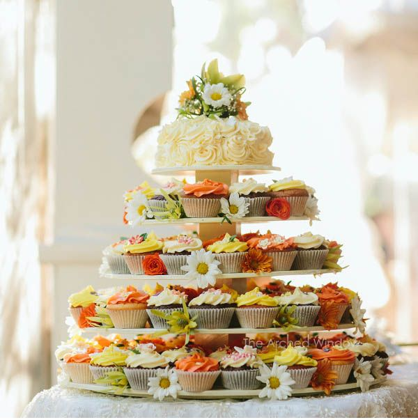 Cupcake wedding cake. Photography by Mt Tamborine and Gold Coast wedding photographers The Arched Window.