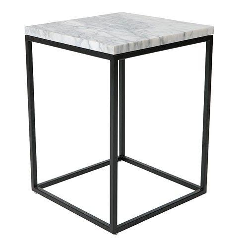 Wat een elegant tafeltje, deze Marble Power van Zuiver, gemaakt van marmer met een slank onderstel van staal. Materiaal: 19 mm marmer blad, stalen frame Maximaal draaggewicht:23 KG