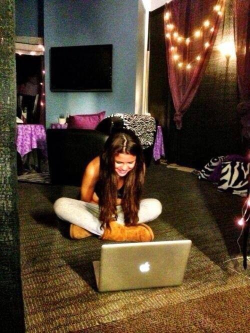 Selena Gomez bedroom J~