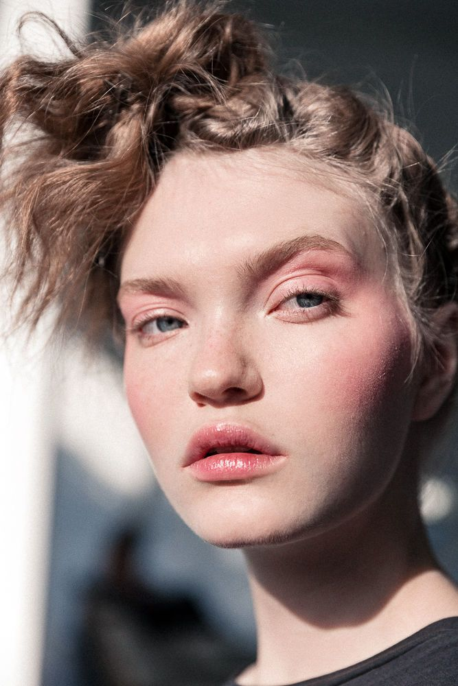 See the full Pat McGrath beauty look for Tom Ford's FW16 runway show.
