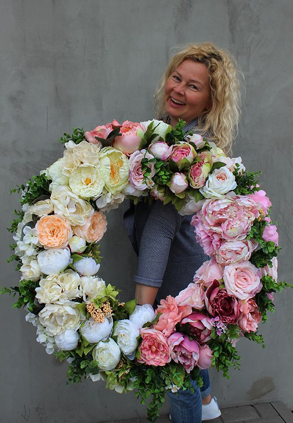Wianek Ze Sztucznych Kwiatow Flowers Wreath Tendom Floral Wreath Beautiful Wreath Spring Wreath