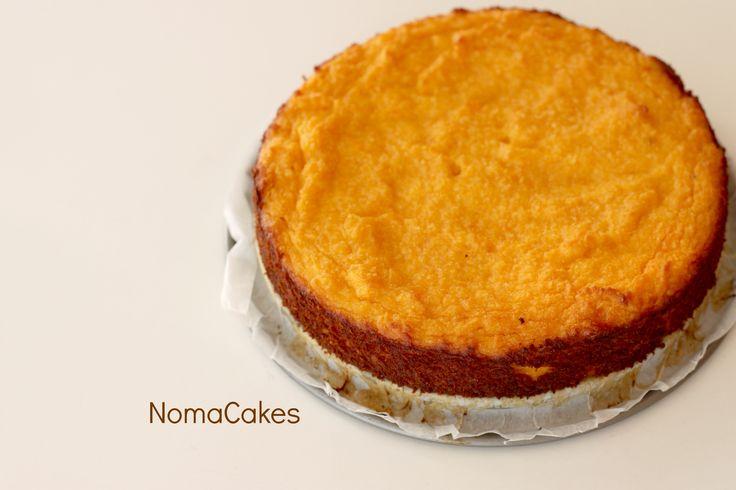 """Estas dos tartas son una adaptación de esta receta. La primera versión, con harina Mix Dolci de Shär es la que más se parece a la original. Queda más tipo """"bizcocho"""". La segunda, con almendra molid…"""