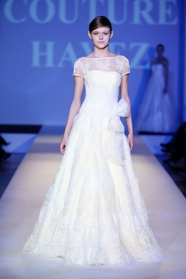 I am not in the market for a wedding gown but I love looking at beautiful clothes.: Beauty Clothing, Ate Couture, Couture Hayez, Atelier Couture, Abito, Weddings Gowns, Fbs Gowns, Gowns Picks, Fb S Gowns