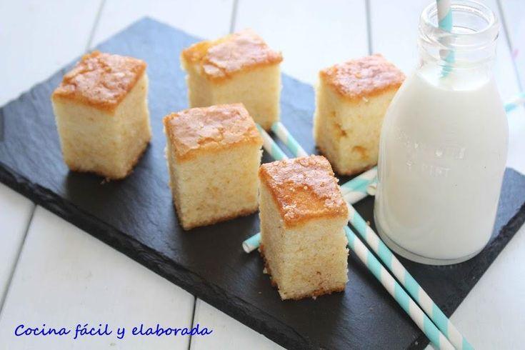Entre otros ingredientes, este bizcocho lleva yogur de coco y coco rallado. ¡Buenísimo! Una receta del blog COCINA FÁCIL Y ELABORADA.