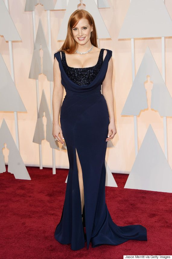 Jessica Chastain Is A Vision In Navy On The Oscars Red Carpet
