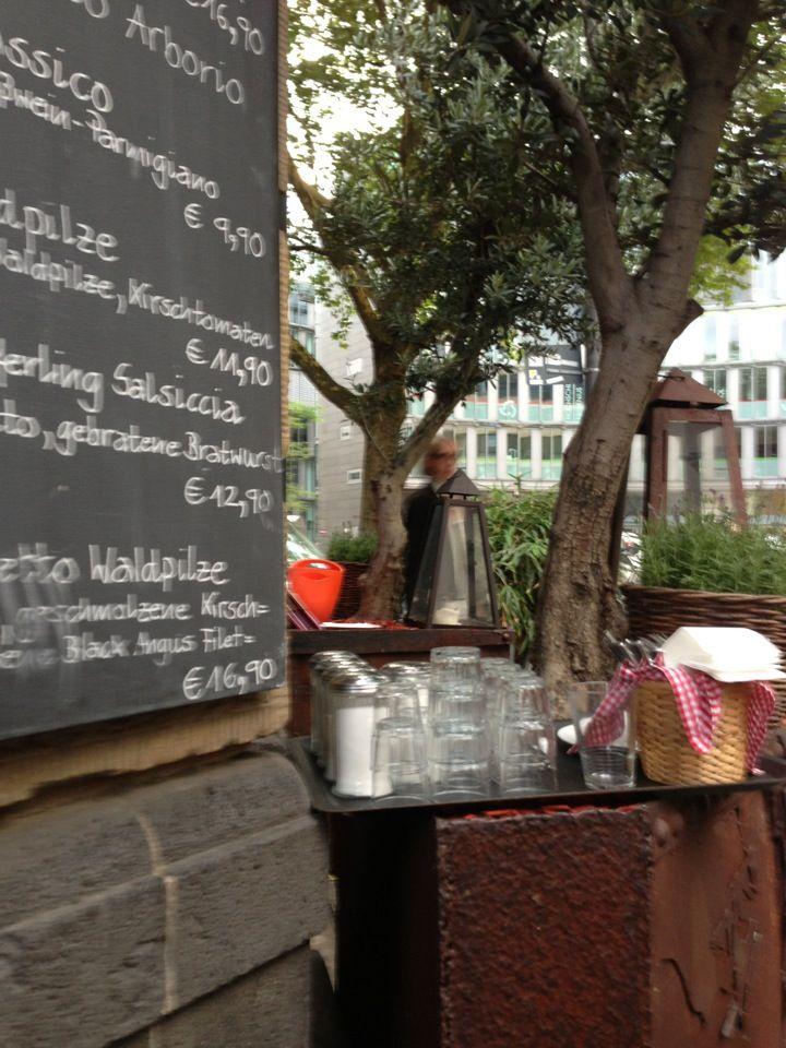 MERCATO DELUXE I Nordstadt I Bremer Straße 5 in 50670 Köln I Restaurant mit Außenbereich straßenseitig I italienisch