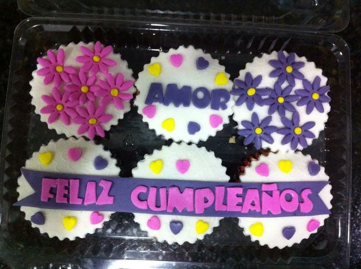 Feliz cumpleaños cupcakes