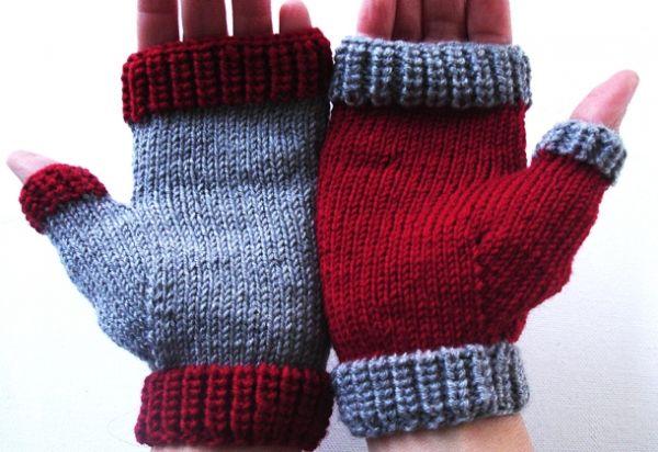 Αυτά τα γάντια είναι απλά στο πλέξιμο τους και δεν απαιτούν πολύ χρόνο, ιδανική λύση για το νήμα που περίσσεψε από τις κάλτσες!