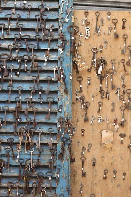 display of keys at a paris flea market