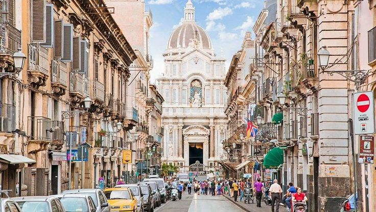 Si cand vom termina cu marea si cu vacanta mare ne vom gandi la urmatorul City Break. Unde? In Sicilia pentru că sunt multe de vazut pentru vremea buna si pentru amintiri de neuitat!Tarif: 275 eur/persoana/4 nopti/avion si cazarePerioada: 23 - 27 septembrie 2017Orar de zbor:23 septembrie plecare Bucuresti ora 13:20 sosire Catnia ora 14:4527 septembrie plecare Catania ora 20:45 sosire Bucuresti ora 23:45Pachetul include: zbor cu avionultaxe incluse; cazare in camera dubla la Hotel Sofia…