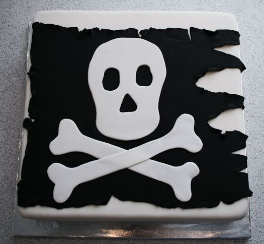 Pirate cake: Pirate Party, Pirate Flags, Pirates, Cake Ideas, Pirate Cakes, Party Ideas, Cake Decorating, Birthday Cakes, Birthday Party