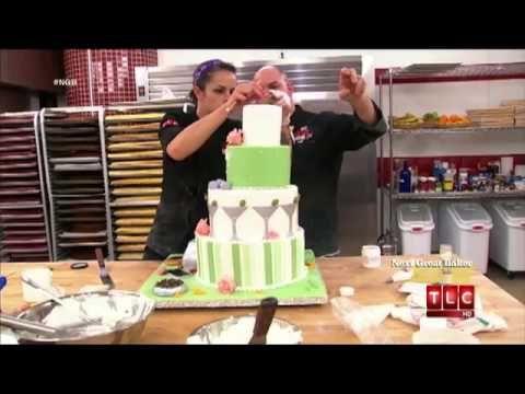 ▶ Cake Boss - Icing the Cake - YouTube