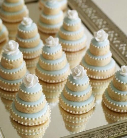 Small wedding cakes as great starter recipes