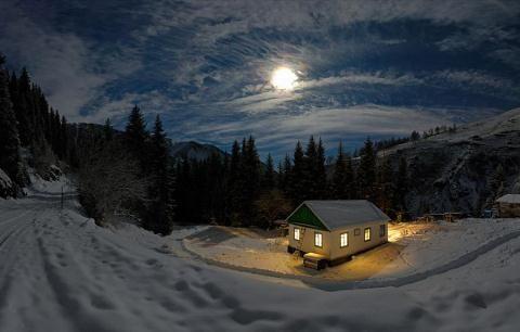 Потрясающие фотографии зимы - пейзажи, снежинки, лес и просто красивые зимние картинки