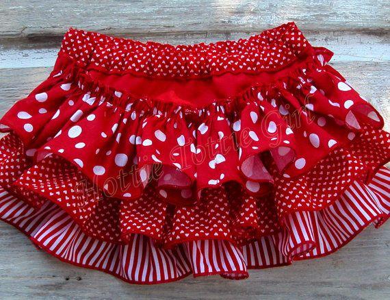 Colmena de pañal cubierta volante Bloomers por HottieTottieGirl, $32.00