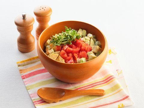 アボカドトマト丼