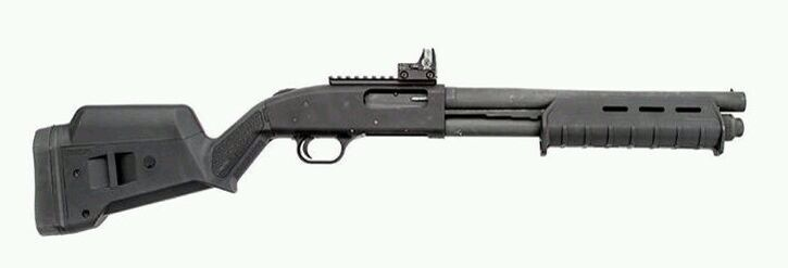 Mossberg 500 w. Magpul attachments