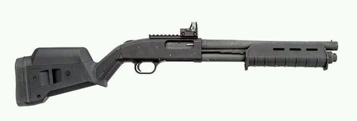 Mossberg 500 w. Magpul attachments