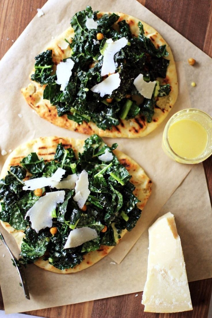Make Naan Flatbread With Hummus and Kale using this easy and healthy recipe.