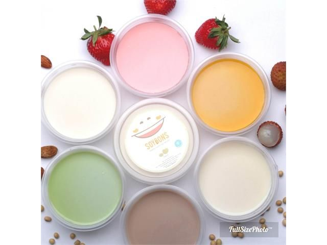 Paket Delivery 8 Large Cups Soy Bons. Find at  https://bingkis.co.id/gift/detail/paket-delivery-8-large-cups-soy-bons-1143