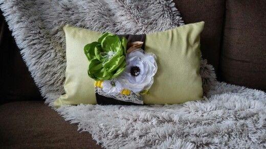 green pillow 47 Eur
