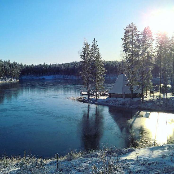 """Talvi tekee tuloaan ❄💙 Nyt paetaan syksyn pimeyttä kylpylän lämpimiin vesiin ja…"""""""