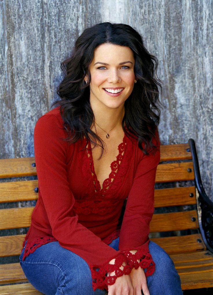 LOVE Lauren Graham's hairstyle