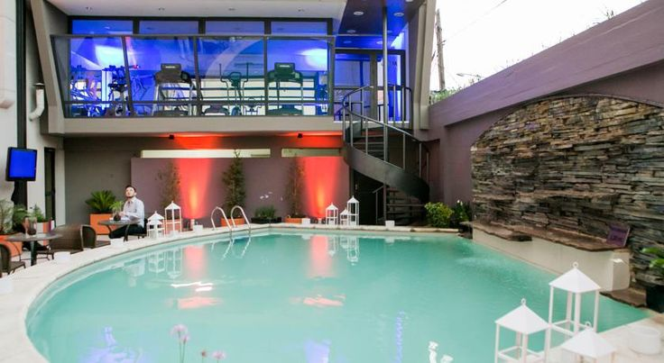 Suites Garden Park Hotel & Eventos San Miguel de Tucumán This elegant hotel offers an ideal location in Tucuman, overlooking the picturesque 9 de Julio park. It features an outdoor pool, hydromassage tub, and modern gym. The city centre is 700 metres away and the bus station is 500 metres from the...