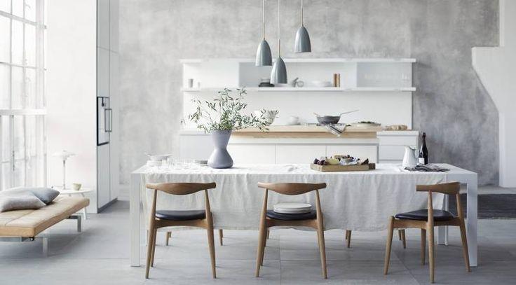 Une cuisine minimaliste et épurée qui se distingue par sa sobriété empreinte de retenue, par le soin apporté aux détails et par la focalisation sur l'essentiel.