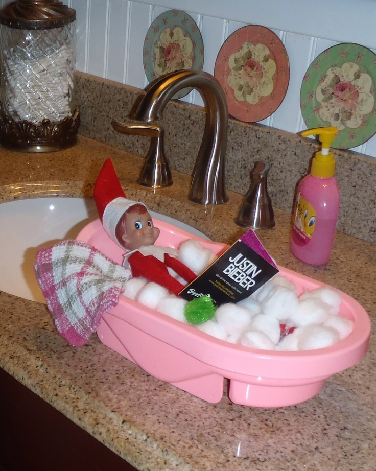 sally soaking in her bubble bath cotton balls for bubbles a baby doll bath tub a loofa. Black Bedroom Furniture Sets. Home Design Ideas