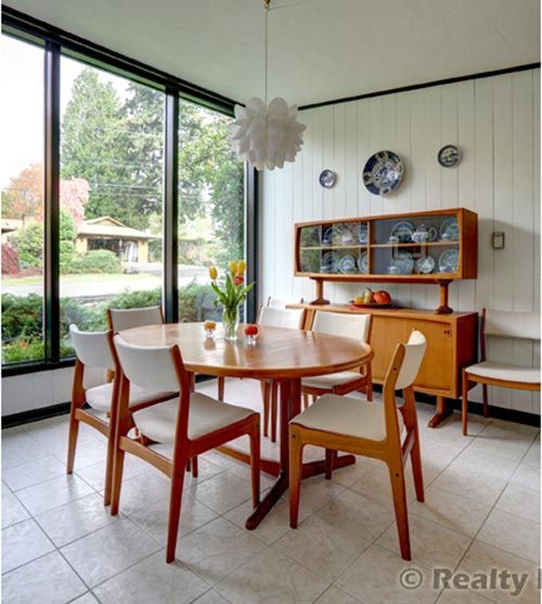1951 Time Capsule house in Portland, OR. Beautiful MCM architecture and design! Love this website, all things retro! retrorenovation.com