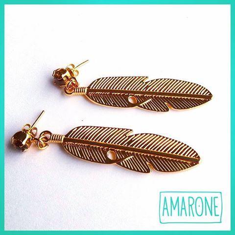 Nuestros #AretesDePluma #Amarone son accesorios lleno de estilo, como ¡tú!