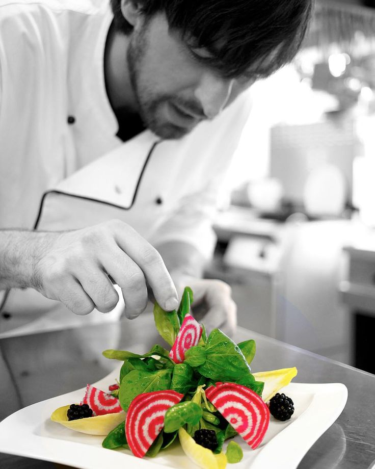 #wcuisine #chefs #truecooks #chefsofinstagram #chefsroll #chefstalk #cheflife #rollwithus #fourmagazine #plating  #theartofplating #blackandwhite #colorful  #photooftheday #pothography #mmaiwald #foodpics #foodporn #chioggiabeets #gastroart by wcuisine