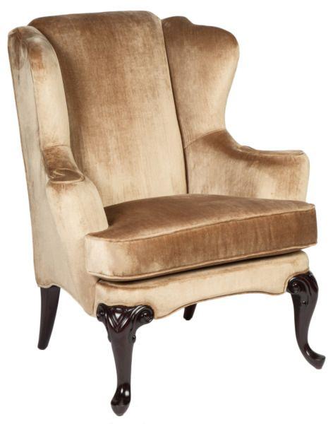 Размер (Ш*В*Г): 89*108*78 Это кресло – реверанс дизайнеров в сторону эпохи барокко, с ее богатыми приемами и пышными дамскими кринолинами. Современные тенденции позволяют такой мебели появляться не только в классических интерьерах, но и разбавлять своей роскошью потертые лофты.             Метки: Кресла для дома, Кресло для отдыха.              Материал: Ткань, Дерево.              Бренд: MHLIVING.              Стили: Классика и неоклассика.              Цвета: Бежевый.