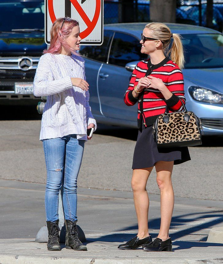 17 Photos of Reese Witherspoon and Ava Phillippe That Will Make You Do a Double Take