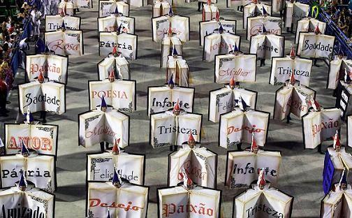 Libros desfile en el Sambódromo, en el centro de Río de Janeiro el 11 de febrero, durante el carnaval de 2013.