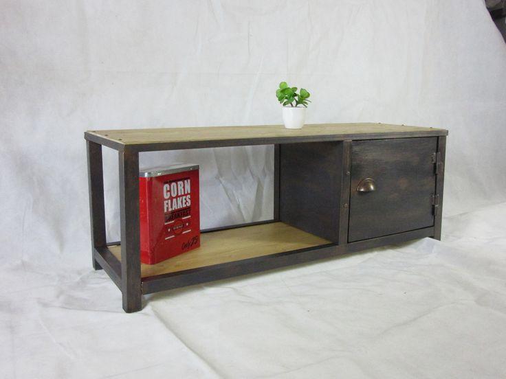 Meuble TV Loft industriel acier, gris anthracite effet rouillé corrodé : Meubles et rangements par fabart-vintage-retro