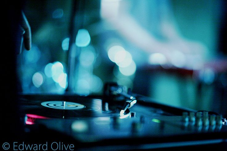 Hip hop dance music dj deejay turntable 2 from 2006 © Edward Olive music photography