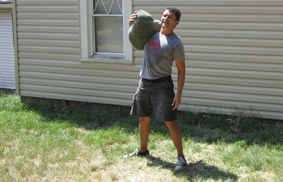 How to make your own sandbag and what workouts to do with it!