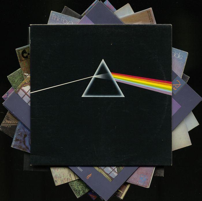 """Veel van de acht albums van de Pink Floyd - bevat """"Dark side of the moon"""" """"Meddle"""" """"Een kortstondige vervallen van de rede"""" """"Ummagumma"""" """"Animals"""" Atom heart mother """"""""Amsterdam tea party""""en""""Pompei""""  Grote partij van acht albums van Pink Floyd!!Voorwaarden:De albums """"Dark side of the moon"""" """"mengen""""""""een kortstondige vervallen van de rede"""" """"Ummagumma"""" """"Dieren"""" Atom heart mother""""komen in een helder en glanzend EX-EX  voorwaarde. Mouwen EX ook.""""Amsterdam tea party"""" en """"Pompei"""" (beide onofficiële…"""