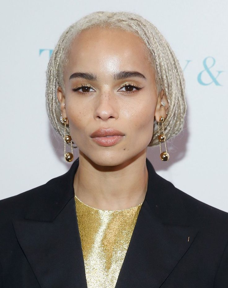 With her knack for infusing the most classic of beauty gestures with a confident shot of quirk, Zoë Kravitz turned basic nude makeup into an artful statement for the Whitney Biennial in New York.