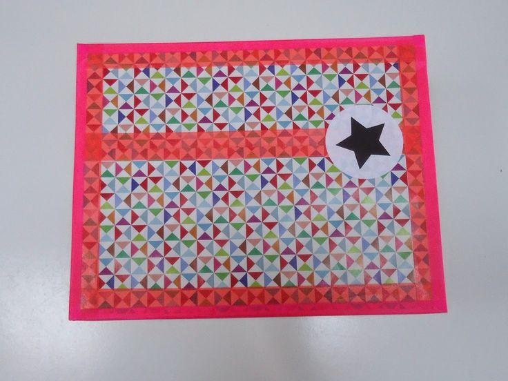 DIY doosje versiert met washi tape, papier en stickertjes