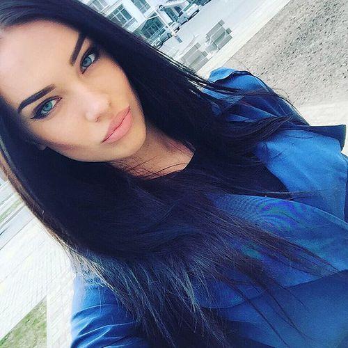 grafika girl, hair, and lips