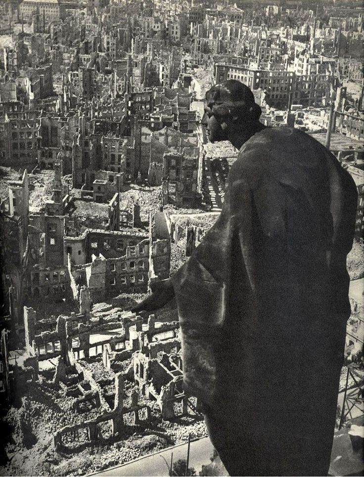 richard peter's photo of the bombed dresden, 1945